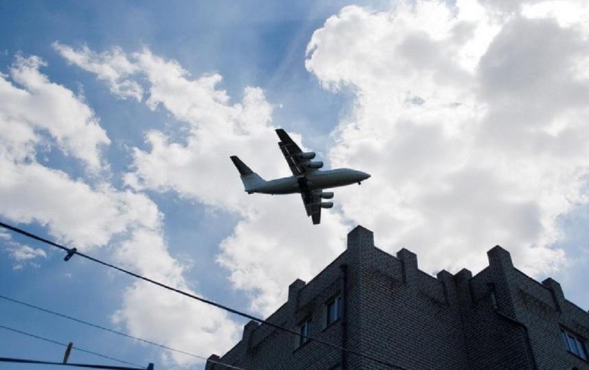 Около 90 петербуржцев пожаловались на шум, который создают самолеты. Фото epp.genproc.gov.ru.