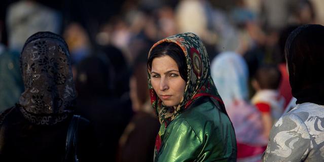Женщины в Афганистане всегда прикрывали голову платком. Но в последнее время они не скрывали свое лицо.