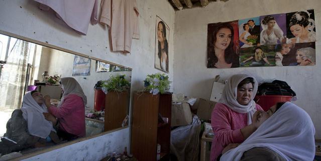 Афганские женщины в последние годы посещали салоны красоты.