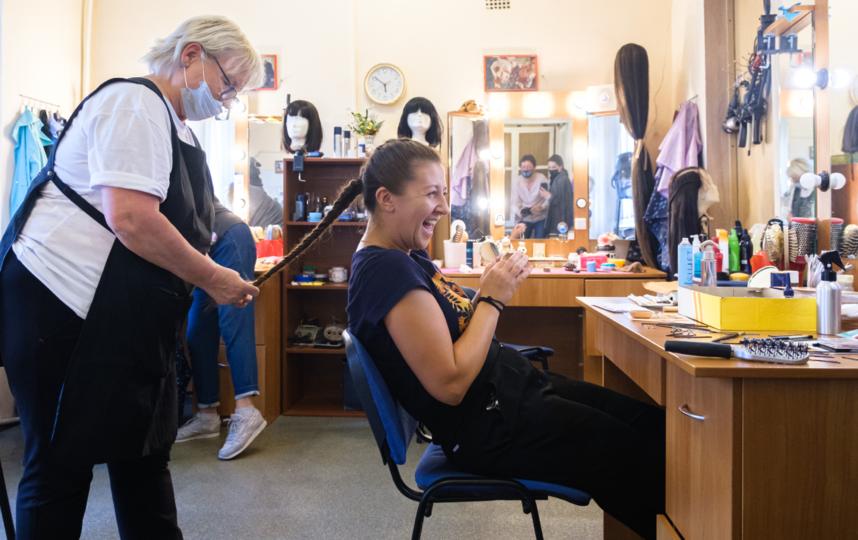 """Актриса Мария Лысюк в гримерном цехе. Фото Алена Бобрович, """"Metro"""""""