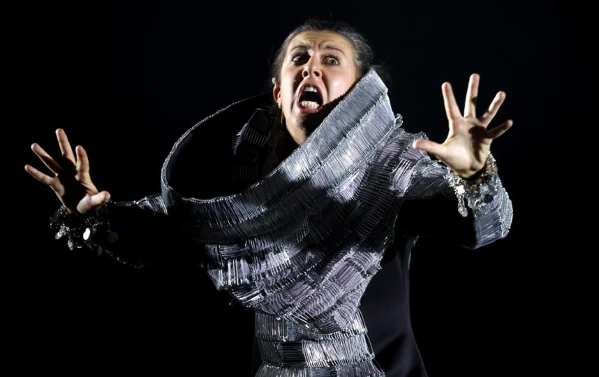 На актрисе Марии Лысюк платье из булавок. Фото Стас Левшин, Предоставлено организаторами