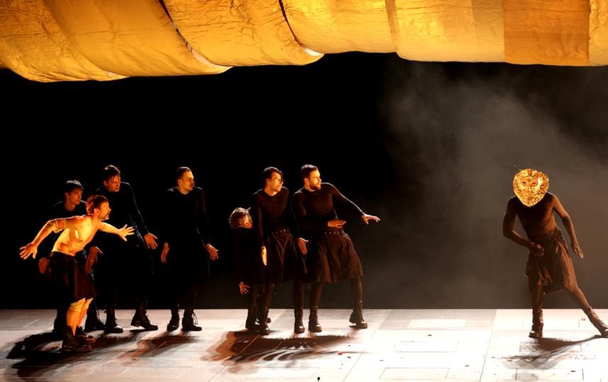 Одиссей (актер Тарас Бибич) со своей командой. Фото Стас Левшин, Предоставлено организаторами