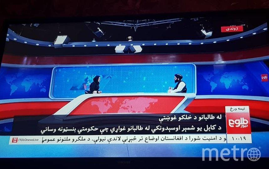 Ведущая Бехешта Аргханд берет интервью. Фото Twitter: @MiraqaPopal