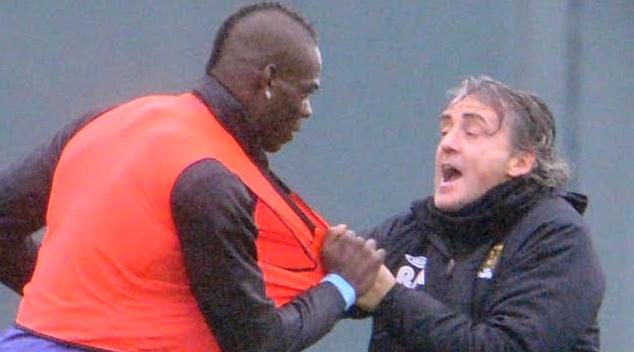 Марио и Роберто в разгар  конфликта. Фото Скриншот Youtube