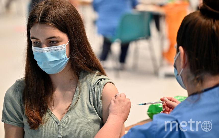 Массовая вакцинация началась в России в середине января. Фото Getty