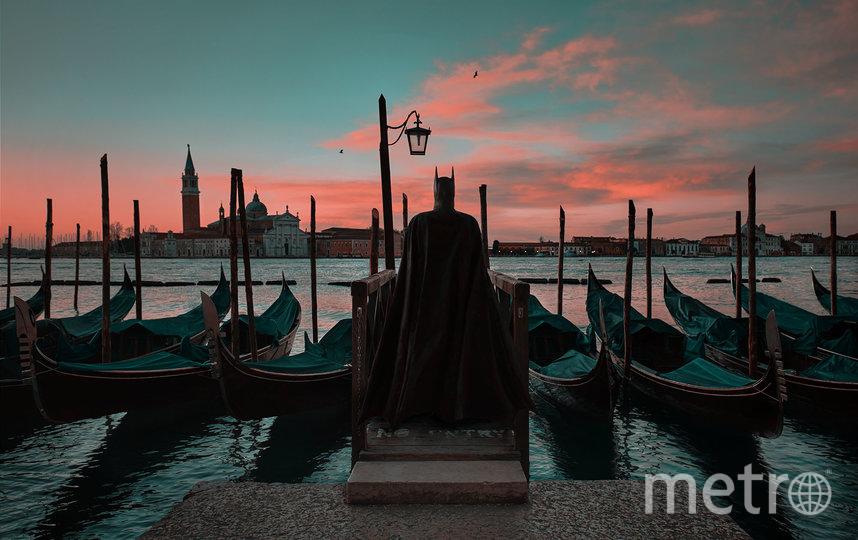 """""""Венеция"""". Силуэт Бэтмена слился с силуэтами гондол в Венеции на рассвете. Фото Фото предоставлены героем публикации."""