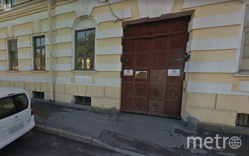 Суд подтвердил незаконность пробивки двери на фасаде исторического дома. Фото vk.com/mytndvor.