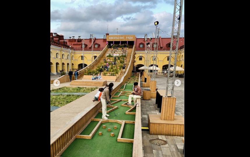 В центре города проходят матчи по мини-гольфу. Фото instagram.com@minigolf.spb