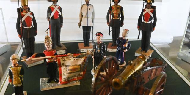 Лица игрушечных солдат списывались с реальных воинов.