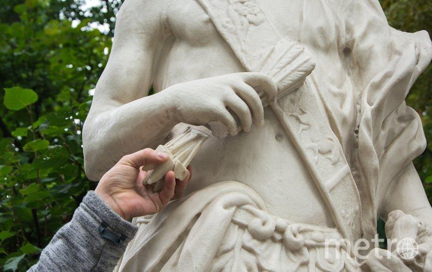 Неизвестные повредили скульптуру «Полдень» в Летнем саду. Фото vk.com/rusmuseum.gardens.