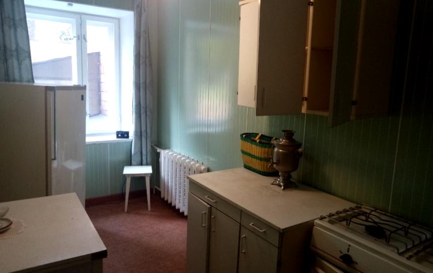 """Интерьер довольно скромный – как и в большинстве квартир того времени. Фото Гульнара Раянова, """"Metro"""""""