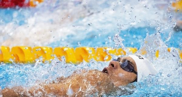 Евгений Рылов на Олимпиаде в Токио на дистанции в 200 метров на спине.