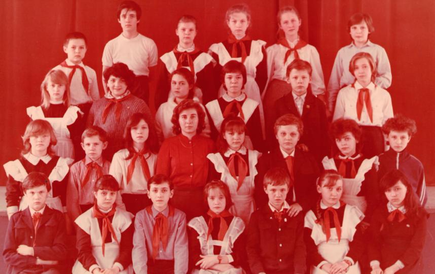 В подростковую банду Роберт Гараев (верхний ряд, посередине) вступил ещё в школе и пробыл в ней два года. Фото Фото из личного архива Роберта Гараева.