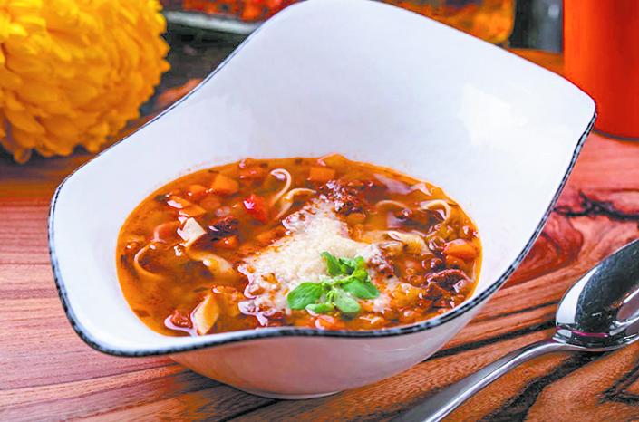 Чечевичный суп с говядиной. Фото Scrocchiarella