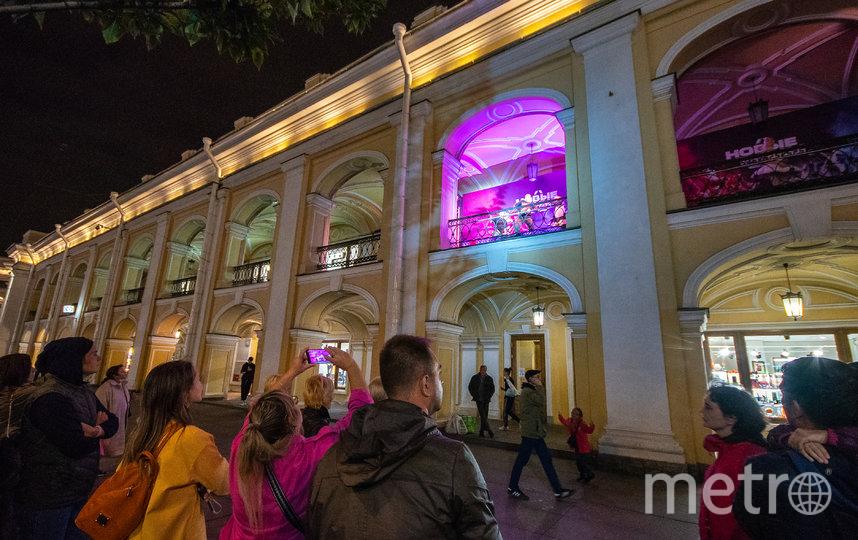 Петербуржцы наблюдали за происходящим с улицы. Фото Предоставлено организаторами