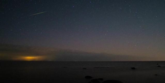 Северное сияние озарило небо над Ладожским озером в ночь на 1 сентября.