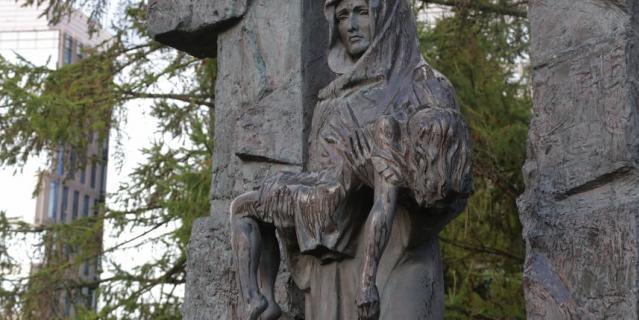 Память жертв бесланской трагедии в этом годупочтили уже в 17-й раз.