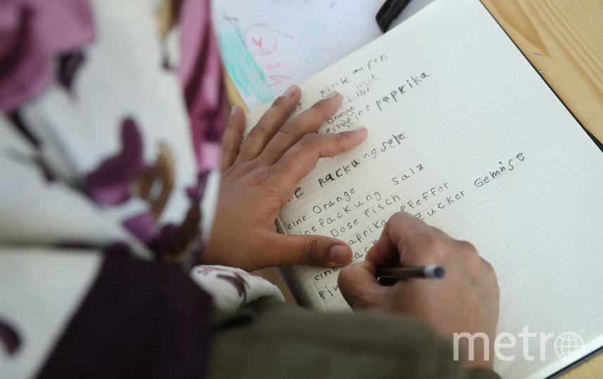 Афганским женщинам пока не запрещают получать образование. Фото Getty