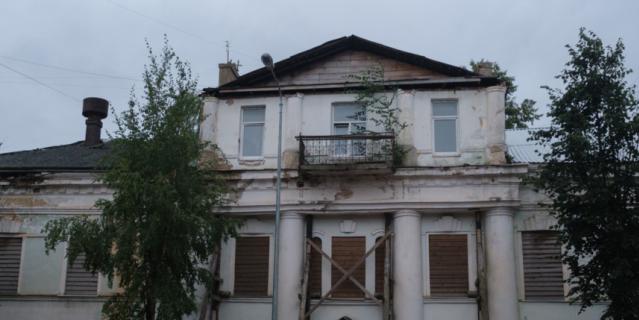 В доме Катерины Верховцевой идёт реставрация.