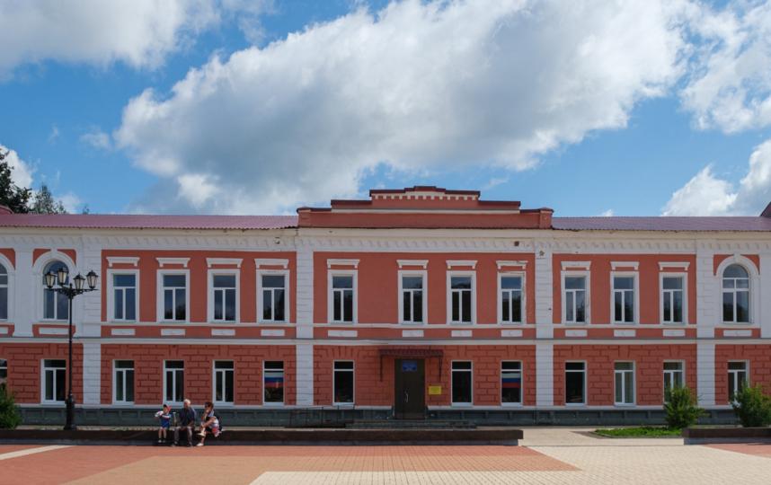 """Школа на Соборной площади. Фото Алена Бобрович, """"Metro"""""""