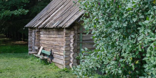 Баня Достоевских не сохранилась, её реконструировали.