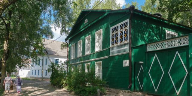 В Доме-музее Ф. М. Достоевского семья писателя провела восемь летних сезонов.