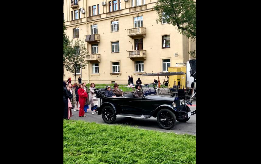 """""""Снимают эпизоды первомайской демонстрации"""". Фото @ermolovap"""
