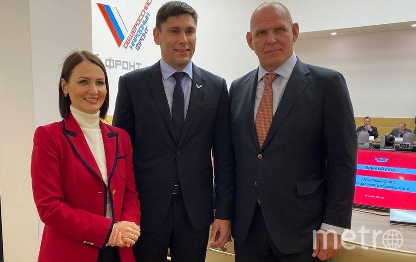 Татьяна Буцкая (крайняя слева). Фото Александра Трипалина