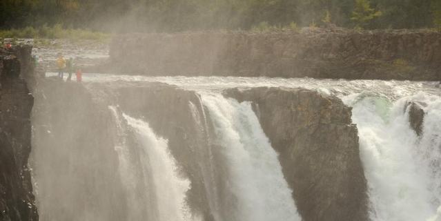 Иркиндинский водопад.