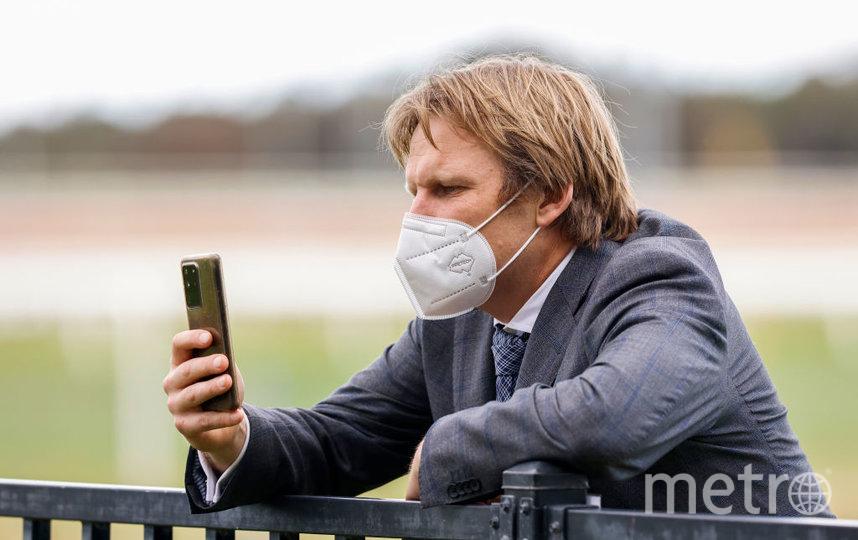 Современные телефоны уже давно позволяют разговаривать по видео. Фото Getty