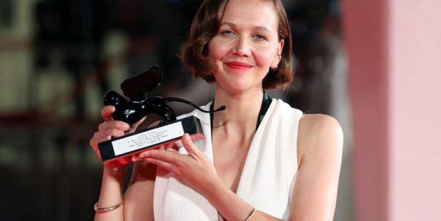 Мэгги Джилленхолл на церемонии закрытия Венецианского кинофестиваля.