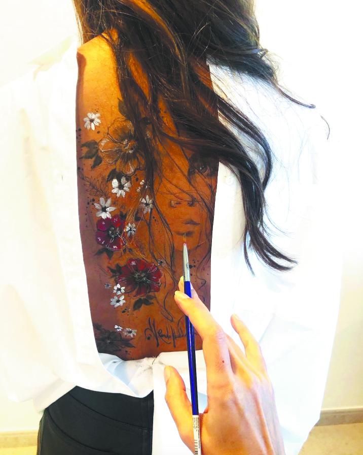 Бывает, Ранда рисует не только на себе. Фото Скриншот Instagram @randahaddadin.