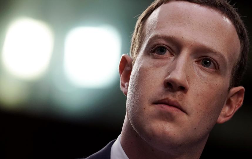 Не так давно на одного из основателей Facebook, Марка Цукерберга, подал в суд его напарник Эдуардо Саверин – за то, что Цукерберг пытался отстранить его от управления компанией. Фото Getty