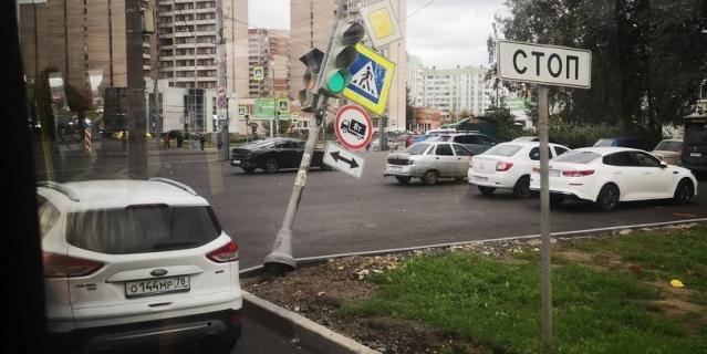 Перекрёсток Маршала Жукова и Маршала Казакова.