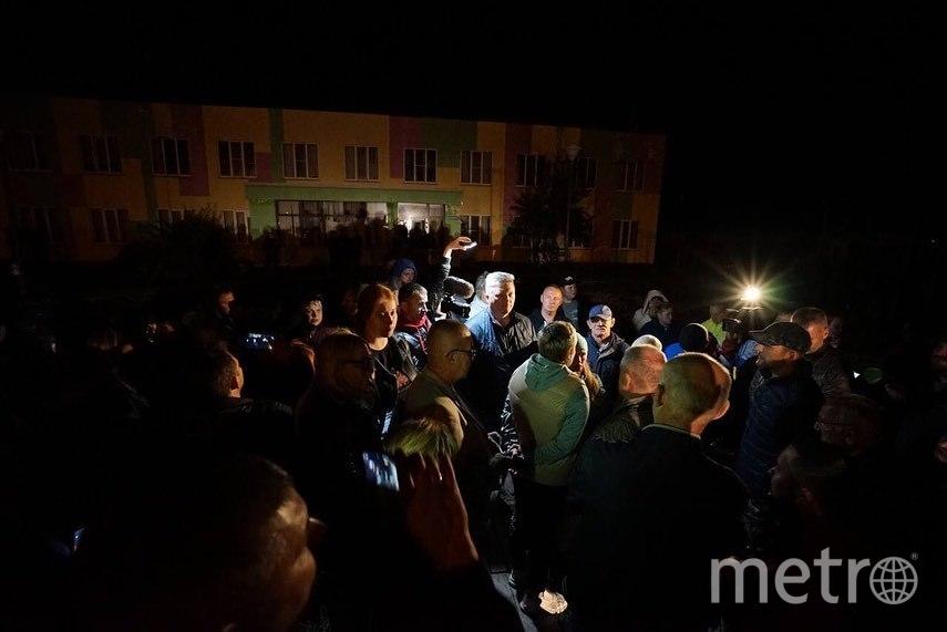 Местные жители собрались на народный сход с требованием срочно расселить общежитие. Фото Instagram: @my_tokarev
