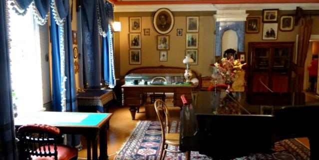 Гостиная, в которой Чайковский принимал гостей и музицировал.