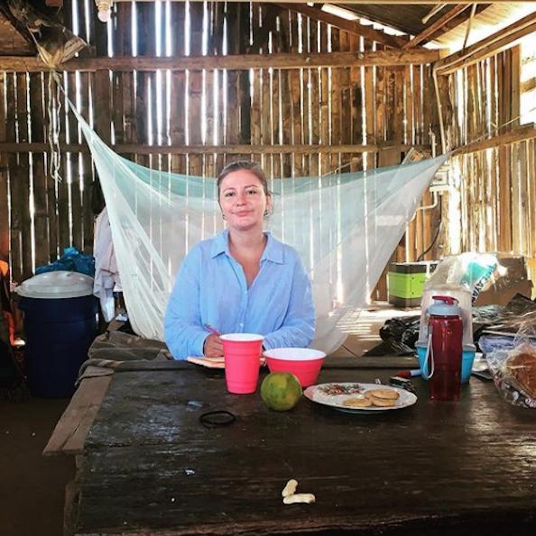 «Мне как одинокой женщине в экспедиции бояться нечего: уровень уважения к личности человека в Амазонии очень высокий, – говорит Елена. – Когда мы путешествовали по Венесуэле несколько лет назад, было гораздо страшнее, так как в той стране несравнимо выше преступность». Фото Instagram: @fenka_ne_v_dyxe