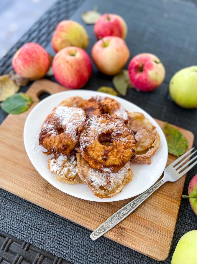 Яблочные пончики. Фото Екатерина Мокрякова.