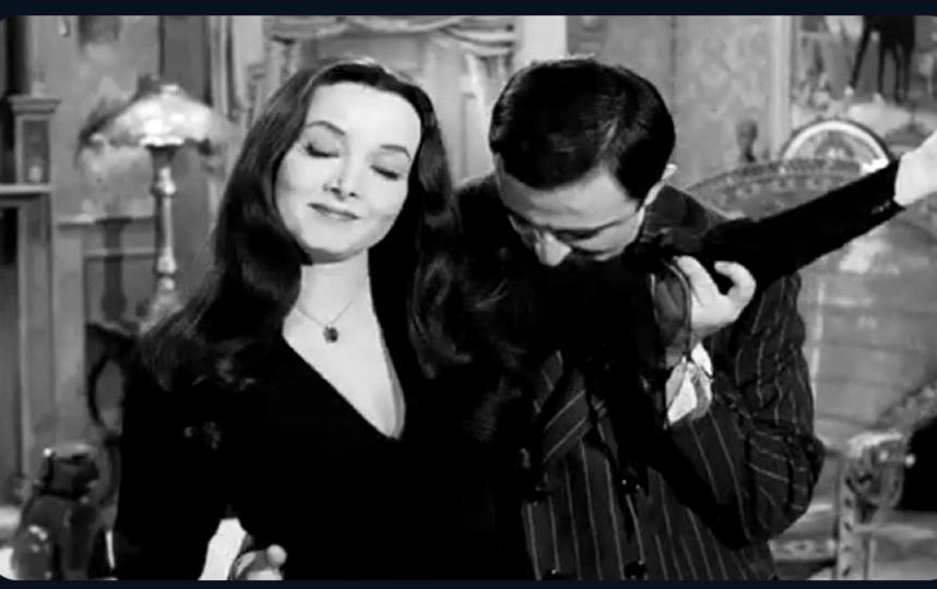 """Кадр из фильма """"Семейка Адамс""""."""