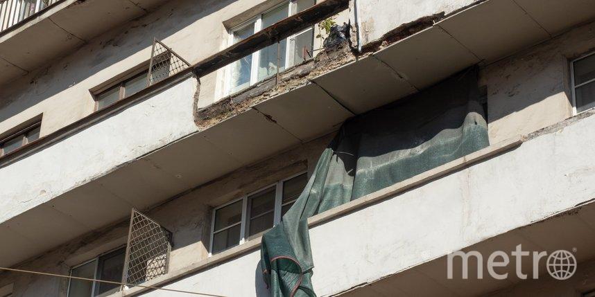 На Петроградской стороне обрушился балкон: пострадавших нет