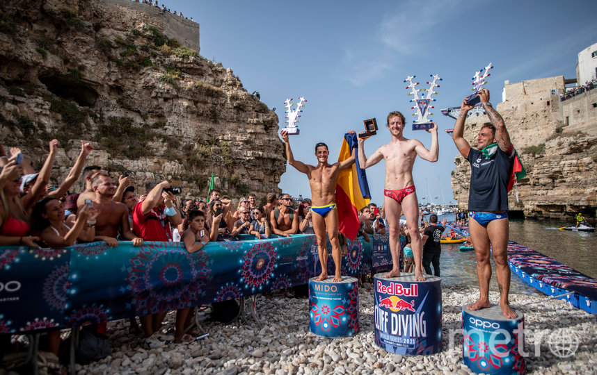В Италии завершился сезон мировой серии по клифф-дайвингу. Фото Red Bull Content Pool