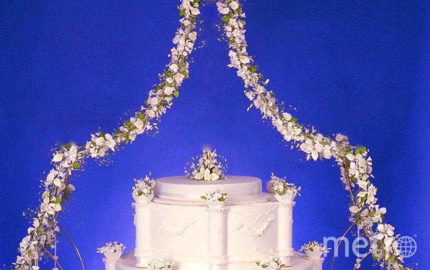 Этот торт Майкл Льюис Андерсон создал на 21-ю годовщину свадьбы короля Бельгии. Фото Instagram@michaelcakery