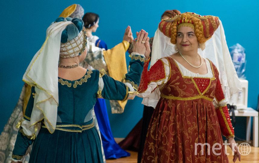""". В XV веке в Италии женщины любили светлые волосы и делали соответствующие парики. Фото Святослав Акимов, """"Metro"""""""