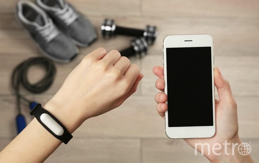 Пользователи умных гаджетов могут подключить переадресацию SMS на свой основной номер мобильного телефона. Фото предоставлено компанией Tele2