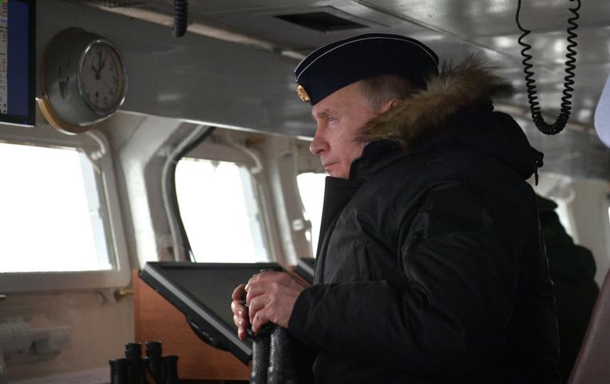 """На борту ракетного крейсера """"Маршал Устинов"""" во время совместных учений Северного и Черноморского флотов. Фото kremlin.ru"""