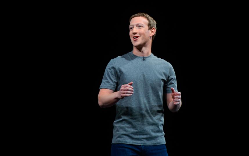 Хотя представители Facebook и не рассказали, как специалисты устранили проблему, в СМИ появилась инсайдерская информация, согласно которой техническая команда перезагружала серверы в Калифорнии вручную. Фото Getty