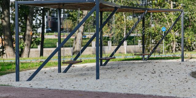 На набережных Охты и Оккервиля появилось новое общественное пространство.