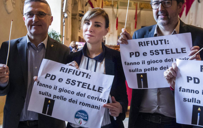 Ракеле Муссолини(по центру). Фото AFP