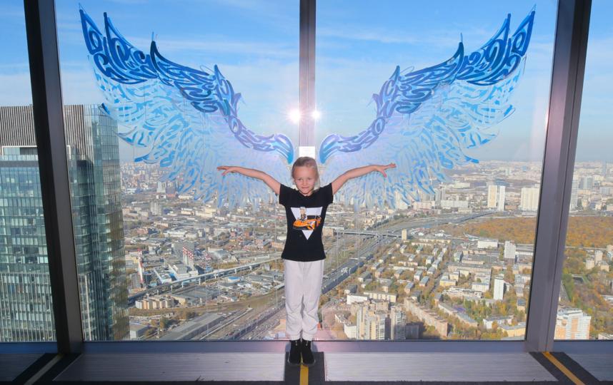 """Выставка особенно понравилась детям, которые с радостью позировали. Фото Василий Кузьмичёнок, """"Metro"""""""