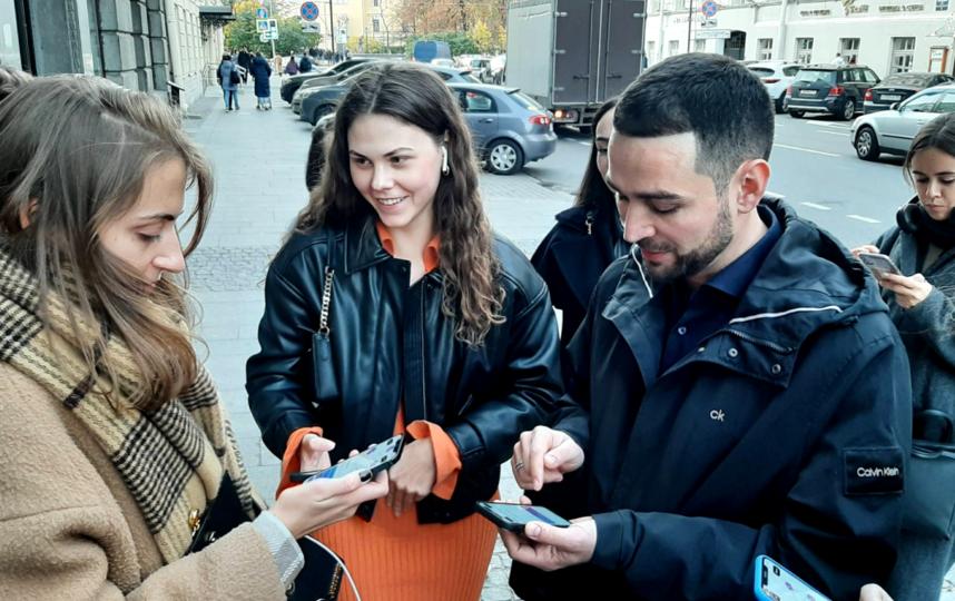 """Запись включается автоматически при приближении пользователя к точке, отмеченной на карте. Фото Юлия Журавлева, """"Metro"""""""